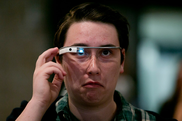 Фото №1 - Многообещающие инновации 2010-х, которые оказались никому не нужны