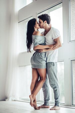 Фото №2 - К чему снится поцелуй: что говорят сонники и психологи