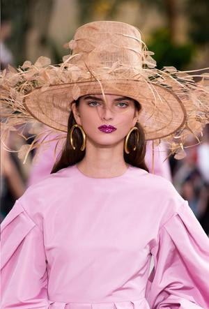 Фото №3 - Расставляем акценты: самые модные украшения для весны и лета 2019