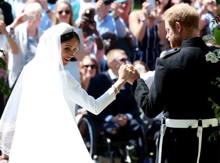 Фото №1 - Как принцесса Диана «присутствовала» в каждой детали свадебной церемонии Гарри и Меган