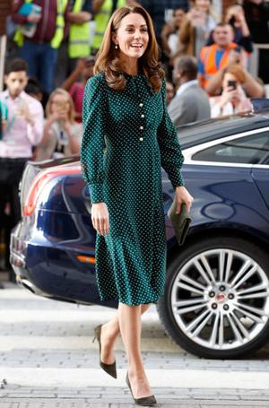 Фото №17 - Цветы, горошек и шифон: где искать летние платья, как у герцогини Кейт