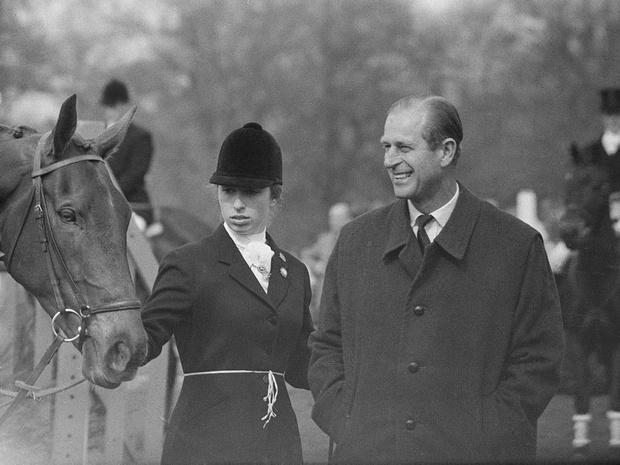 Фото №4 - Как Виндзоры отреагировали на смерть принца Филиппа (и почему все снова осуждают Сассекских)