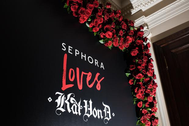 Фото №1 - Косметический бренд Kat Von D Beauty теперь есть в России