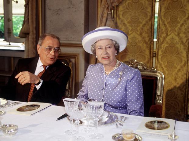 Фото №1 - Завтрак Королевы: что изволит кушать Елизавета II по утрам