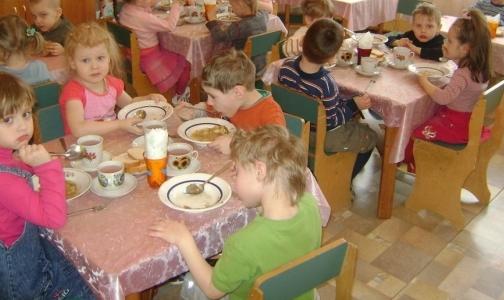 Фото №1 - Расскажите, как кормят ваших детей, прокуратуре: 318-27-03