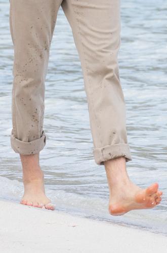 Фото №15 - Чем ноги Меган и Гарри заинтересовали экспертов