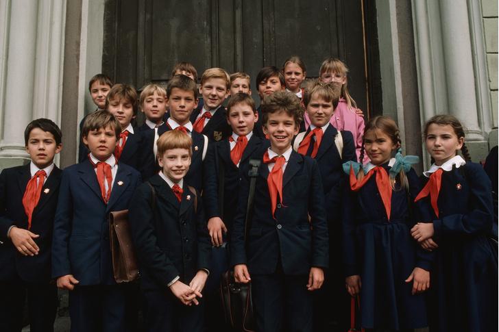 Фото №1 - Краткая история школьной формы в СССР