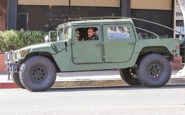 Фото №4 - Внедорожники Hummer могут вернуться на рынок