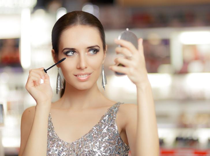 Фото №1 - 6 ошибок, которых стоит избегать в новогоднем макияже