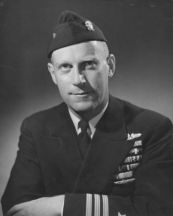 Ричард О'Кейн (1911— 1994), капитан подлодки Tang, сын профессора-ирландца
