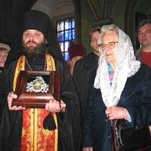 Фото №1 - В Казань привезли часть ризы Богородицы