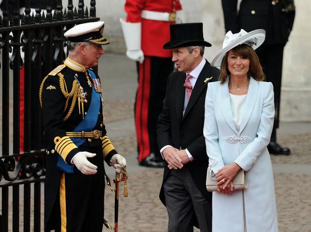 Фото №1 - Виндзоры против Миддлтонов: что принц Чарльз не поделил с мамой Кейт
