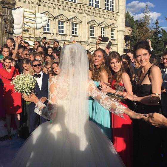 Фото №2 - #FollowMeTo: создатели проекта Мурад Османн и Наталья Захарова поженились