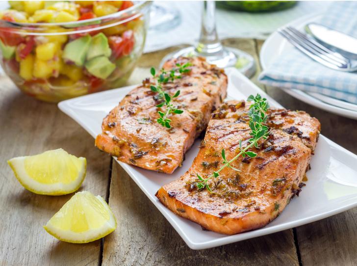 Фото №1 - Дары моря: 5 оригинальных рецептов с рыбой и морепродуктами