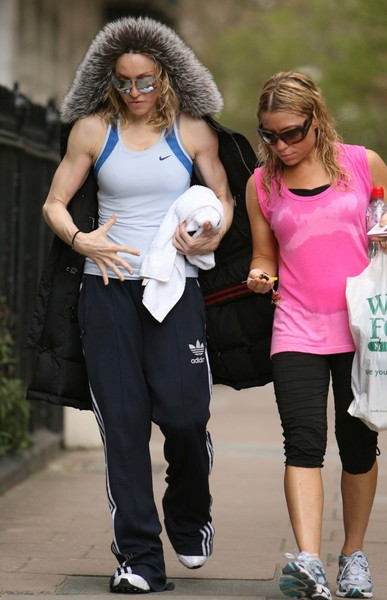 Фото №14 - Как тело Мадонны наказало ее за десятилетия суровых нагрузок и диет