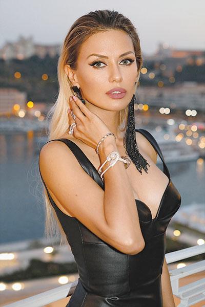 Фото №1 - Виктория Боня: «Я помешана на том, чтобы выглядеть хорошо»