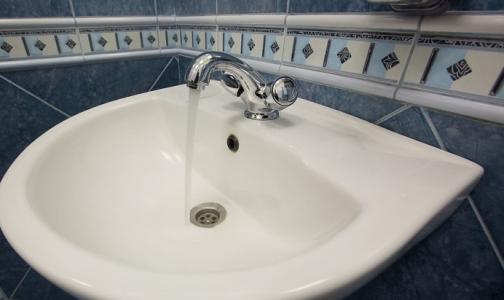 Фото №1 - Эпидемиологи сказали, можно ли в Петербурге пить воду из-под крана