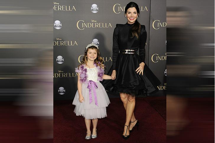 Али Ландри с дочкой