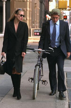 Фото №11 - Пока смерть не разлучит: любовь и трагедия Джона Кеннеди-младшего и Кэролин Бессетт