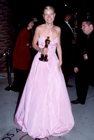 Фото №2 - Тайны «Оскара»: как звезды выбирают наряды для премии и зарабатывают на них