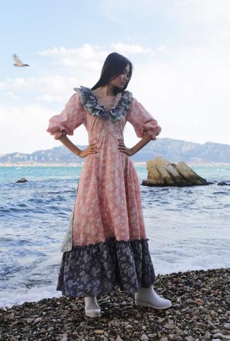 Фото №6 - Для дома и на выход: 10 платьев, которые пригодятся вам на карантине и после