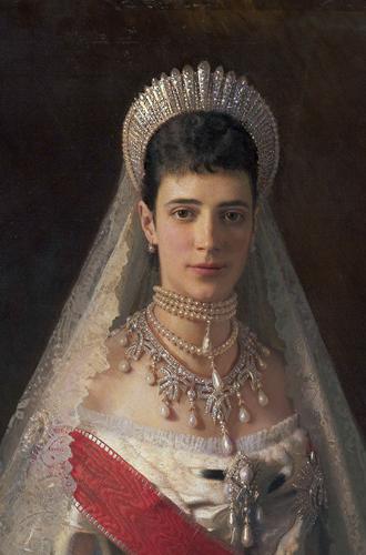 Фото №6 - Утраченные сокровища Империи: самые красивые тиары Романовых (и где они сейчас)
