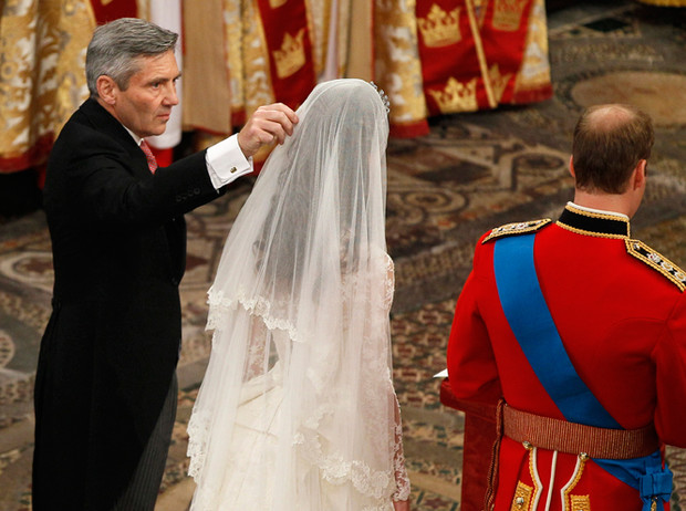 Фото №40 - Самые трогательные моменты королевских свадеб (о Гарри и Меган мы тоже не забыли)