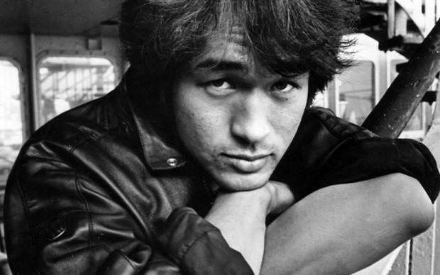 Фото №1 - Тест: Хорошо ли ты знаешь Виктора Цоя и его песни