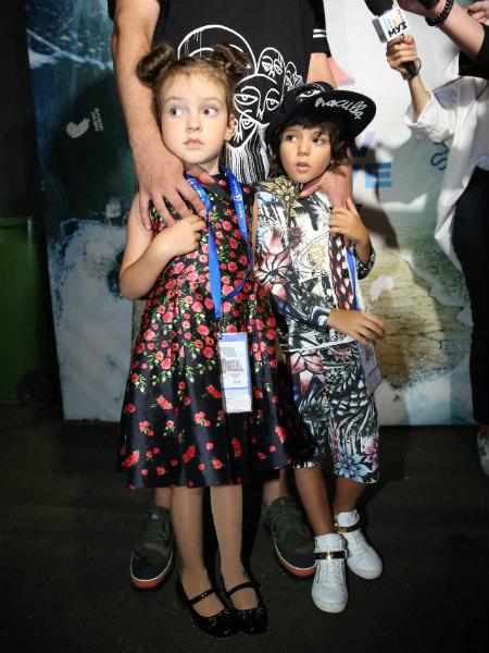 Фото №1 - «Зайки мои!» Дети Киркорова впервые выступили на большой сцене