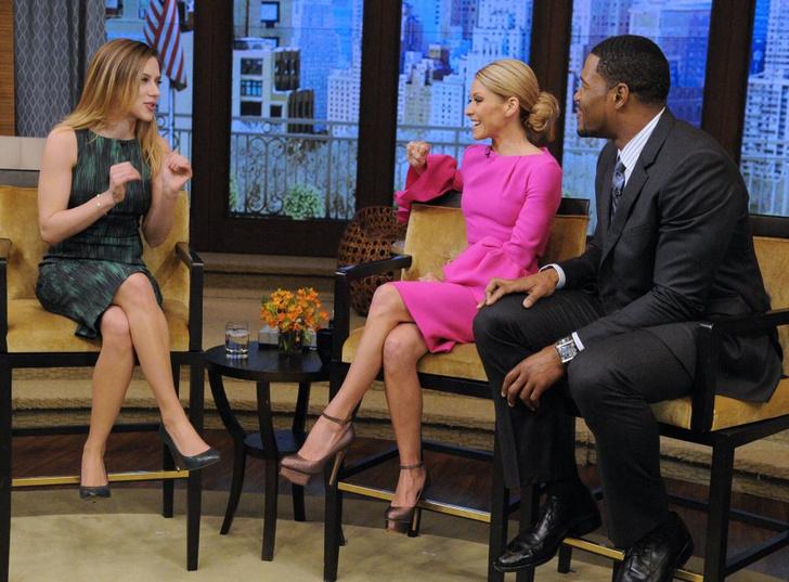 Скарлетт Йоханссон (Scarlett Johansson) в эфире ток-шоу «С Келли и Майклом»