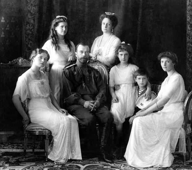 Фото №1 - «Дочь отца», «Гувернантка», «Мадам Бэккер», «Швыбзик»: какими были, что и кого любили великие княжны Романовы