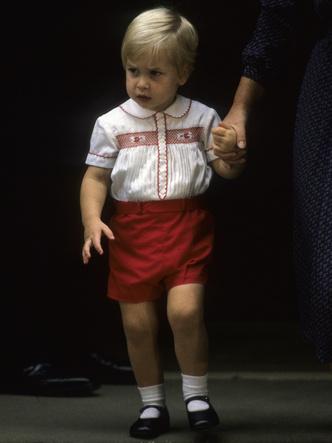 Фото №4 - Самое странное королевское правило, которому был обязан следовать Джордж (но не Луи)
