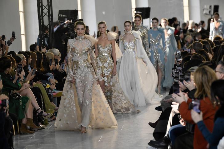Фото №1 - Золото, блестки и кристаллы в коллекции Elie Saab Couture