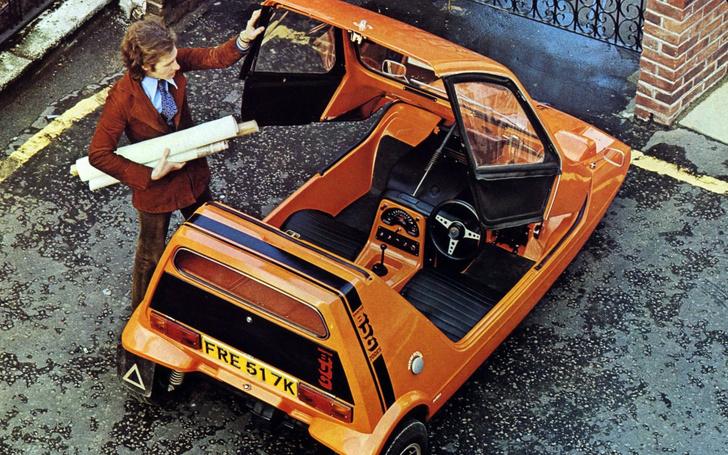 Фото №3 - Эпицентр автомобильного сексизма— британский микрокар, который пытались продавать с помощью манекенщиц