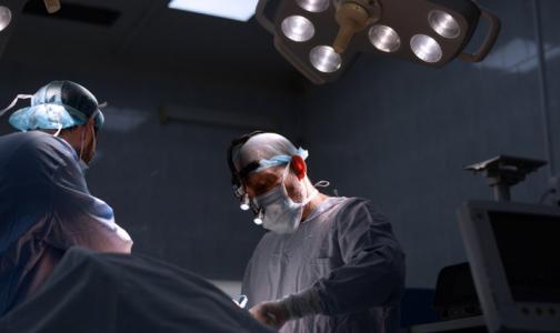 Фото №1 - Как не паниковать из-за диагноза «рак груди»? Журналисты, врачи и писатель Цыпкин помогут справиться со стрессом