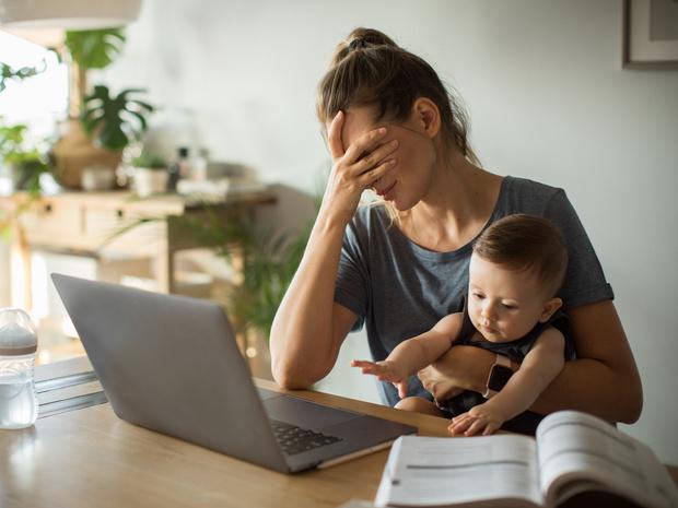 Фото №2 - 10 стереотипов о «плохой» матери, которые на самом деле являются нормой