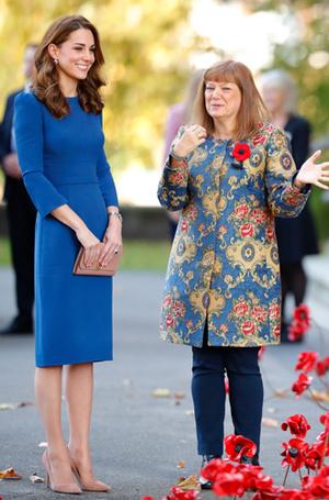 Фото №21 - 6 знаковых нарядов герцогини Кембриджской, которые она носит уже 6 лет