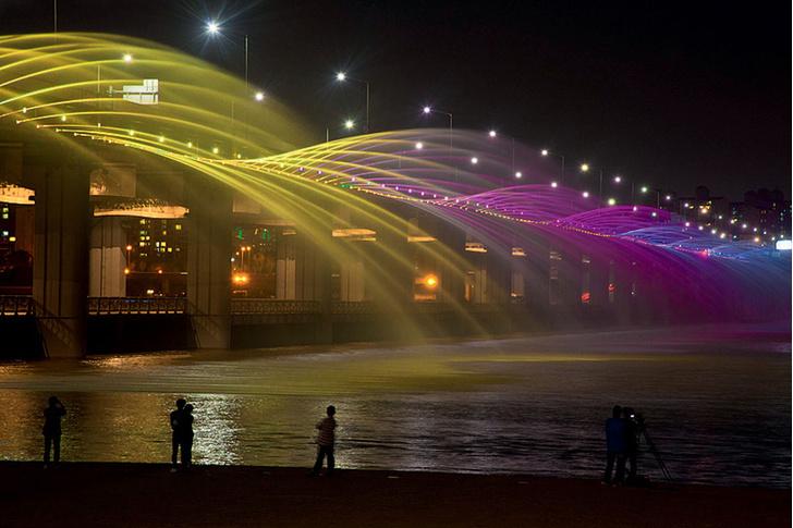 Фото №3 - 21 самый необычный фонтан мира