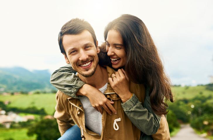 Как ведет себя влюбленная женщина, психология