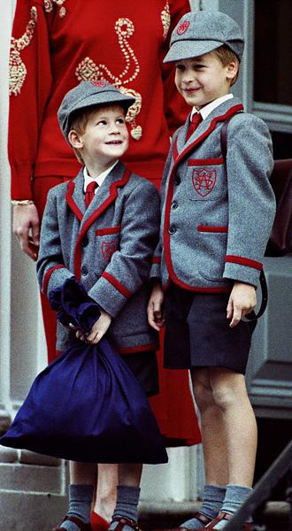 Фото №4 - Братья, соперники, наследники: как менялись Уильям, Гарри и их отношения с годами