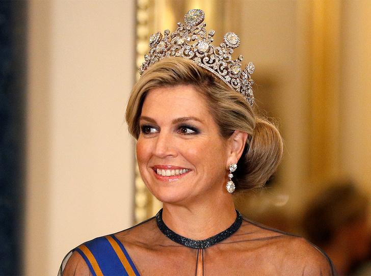 Фото №4 - Парад тиар в Букингемском дворце (и самая большая – у королевы Максимы)