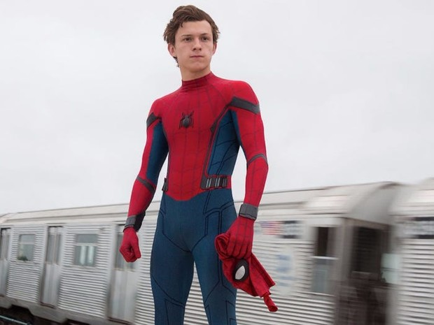 Фото №1 - Том Холланд раскрыл, что носит под костюмом Человека-паука 🔥