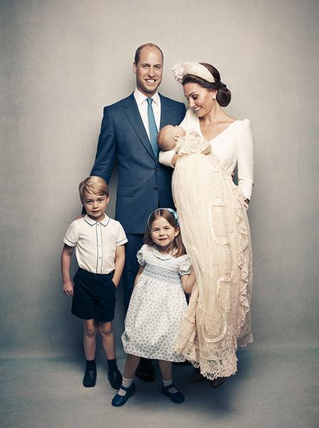 Фото №2 - Кейт Миддлтон и принц Уильям с детьми улетели на каникулы