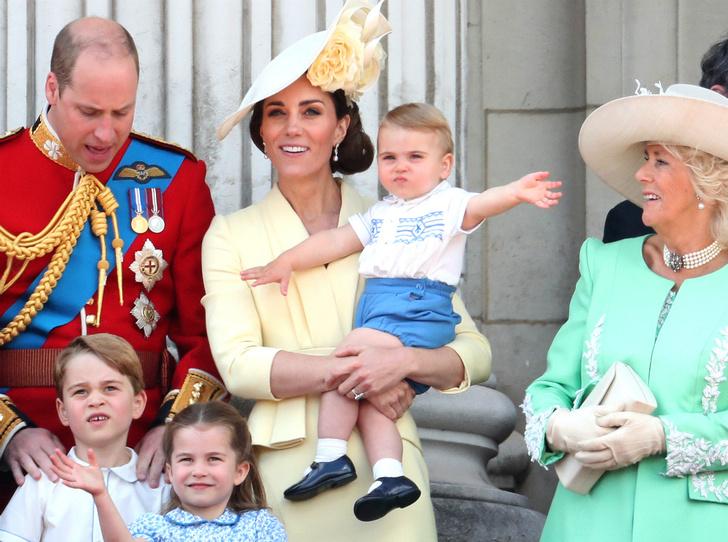 Фото №2 - Папина копия: в Сети обсуждают сходство принца Уильяма и принцессы Шарлотты