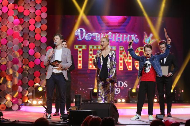 Фото №5 - Скоро! Юбилейная премия «Девичник Teens Awards» 2021 👸