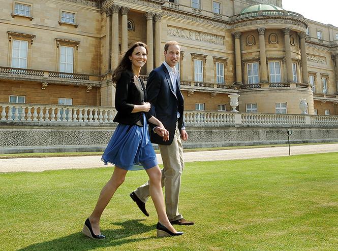 Фото №4 - Язык королевского тела: почему Уильям и Кэтрин не показывают чувства как Гарри и Меган