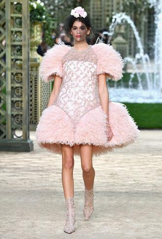 Фото №10 - Цветущий сад Карла: Chanel Haute Couture SS18