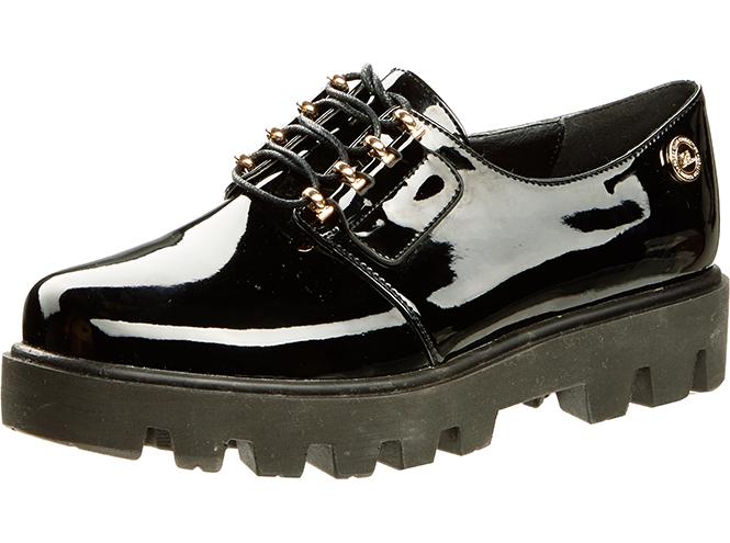 Фото №4 - Нюша создала коллекцию обуви для Betsy