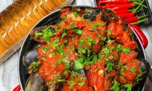 Мидии в остром томатном соусе «Аррабиата»