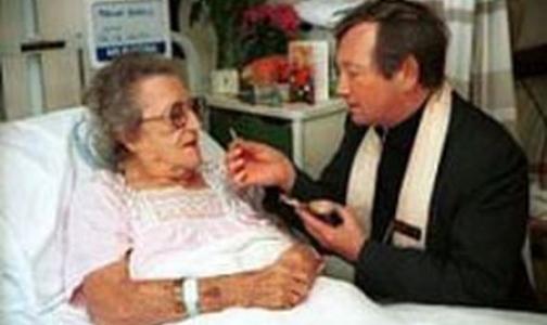 Фото №1 - Совершать религиозные обряды в медицинских учреждениях станет проще